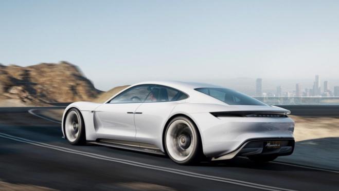 La Porsche 100% électrique sera proche de la Mission-E
