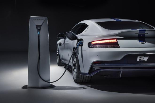 Rapide E, une Aston Martin électrique en série limitée à 155 exemplaires