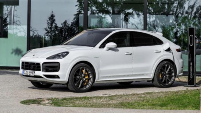 Le plus puissant des Porsche Cayenne est un modèle hybride rechargeable
