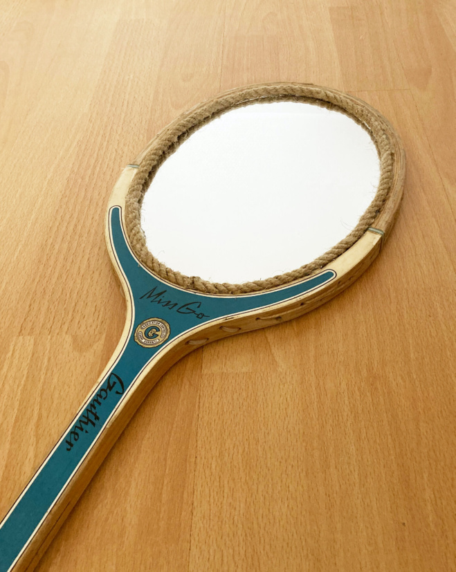 Revers : des raquettes-miroirs vintage recyclées