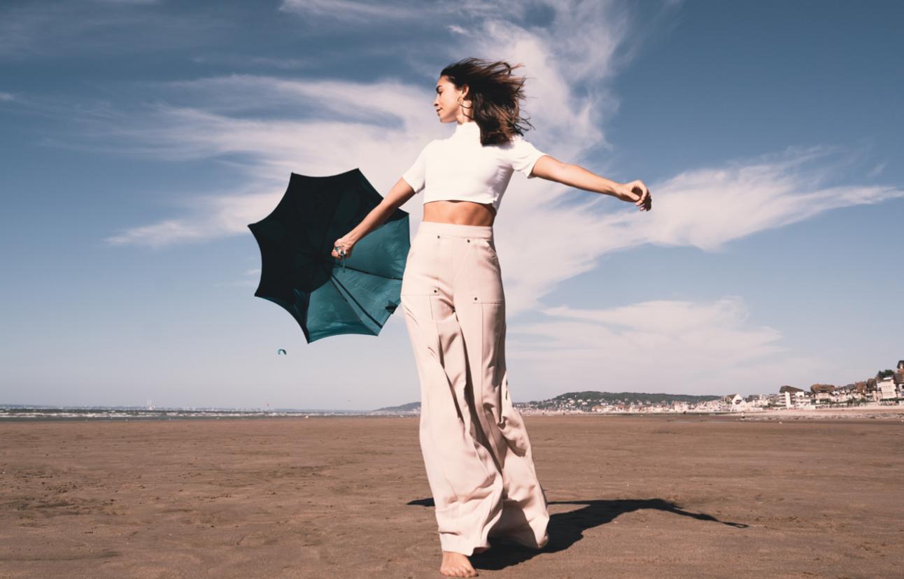 Beau Nuage : l'élégance du parapluie conçu à partir de bouteilles plastiques recyclées