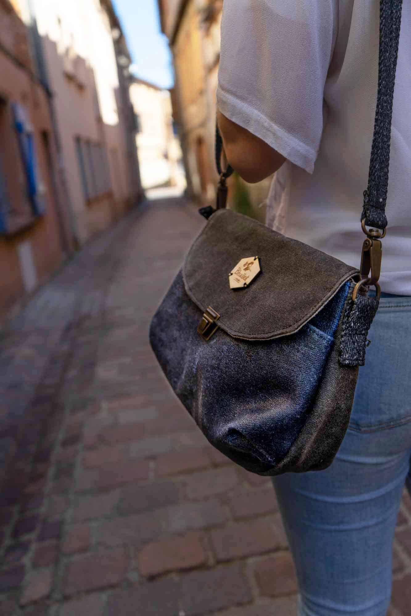 Madeleine, le sac à main idéal de la marque Bhallot