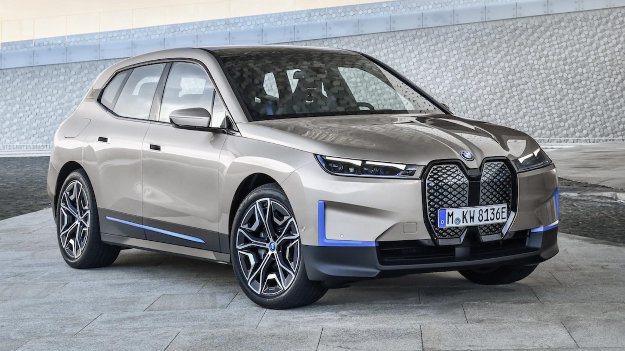 BMW lève le voile sur la iX, son nouveau cross over électrique