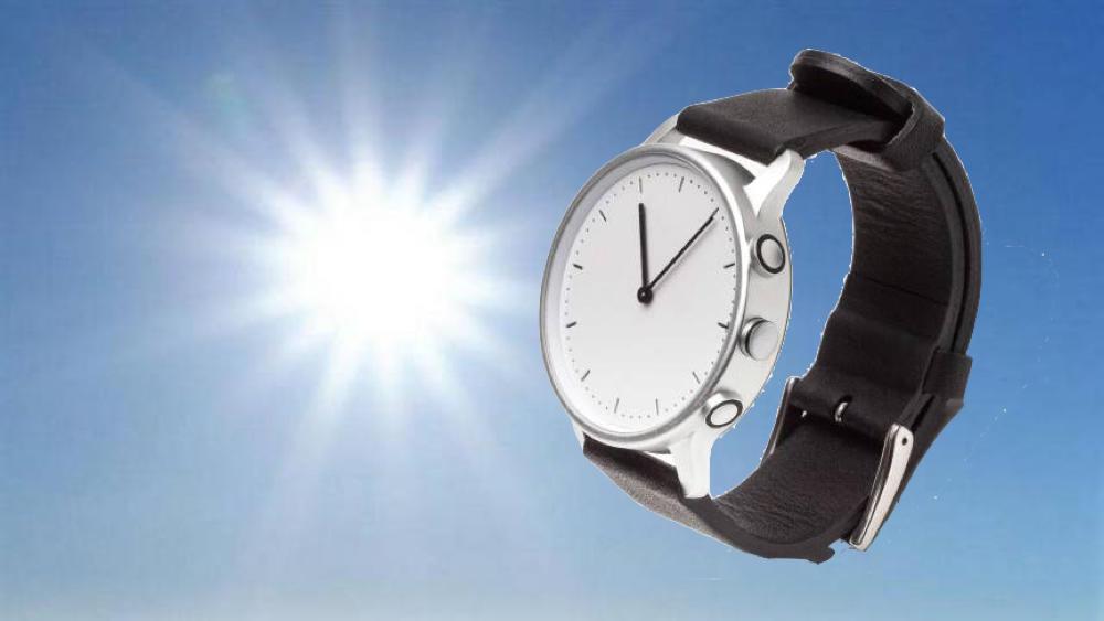Névo : une montre connectée et solaire