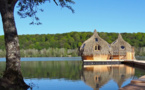 Les Cabanes des Grands Lacs lancent un Spa flottant écologique
